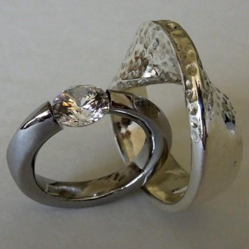 mobius-strip-wedding-bands-3