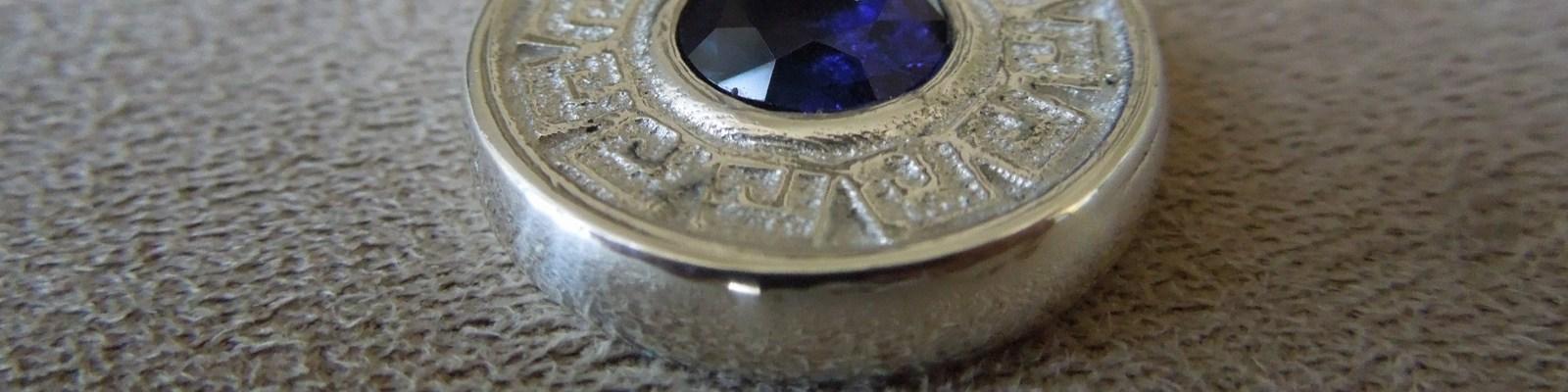 greek-motif-sapphire-pendant