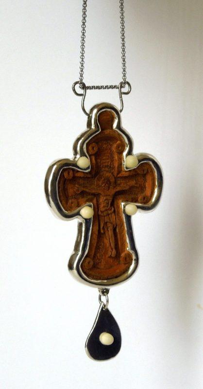 wooden-silver-priest-cross-1