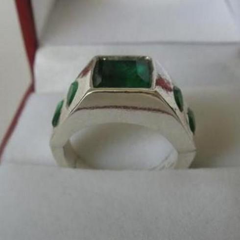 emerald-ring-1